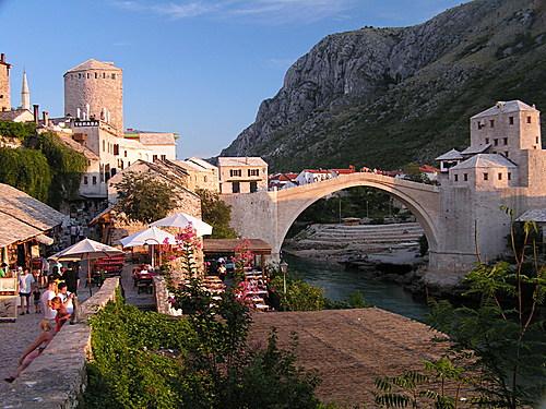 Balkan turu süresince göreceğimiz yerlerden Mostar.