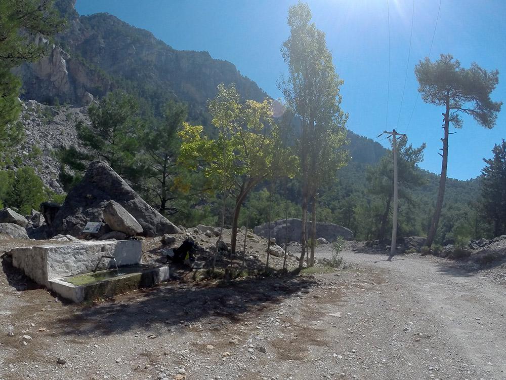 Likya Yolu - Kozağaç Kirme arası birkaç çeşme var.